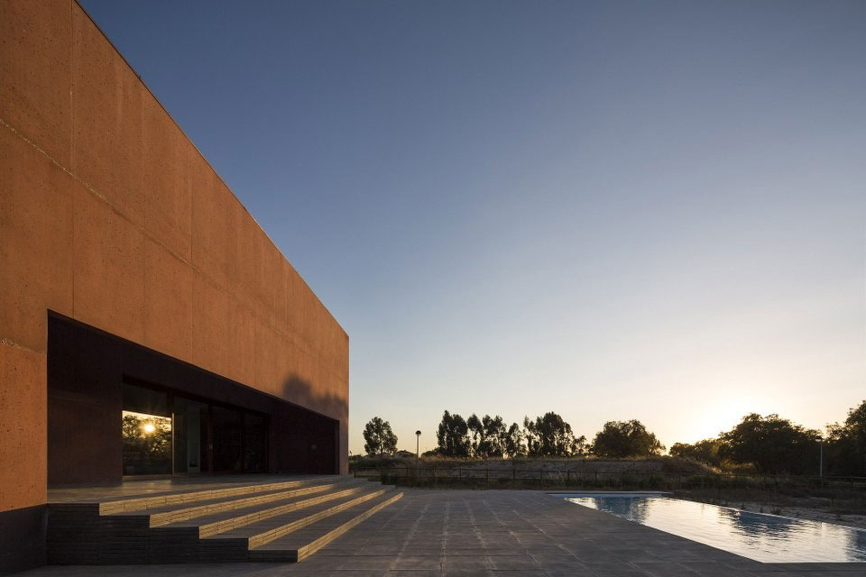 Three Courtyards House by Miguel Marcelino (15)