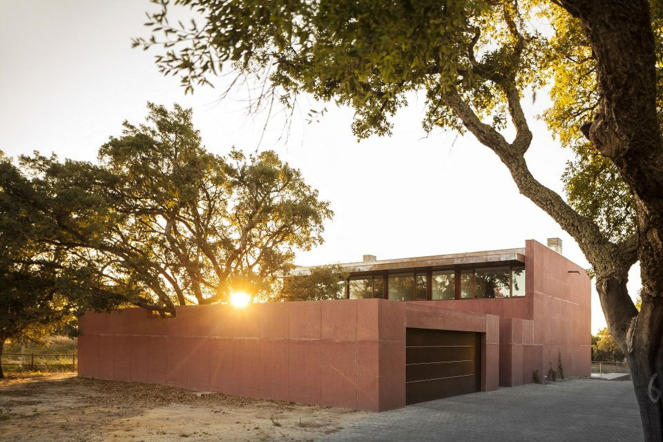 Three Courtyards House by Miguel Marcelino (17)