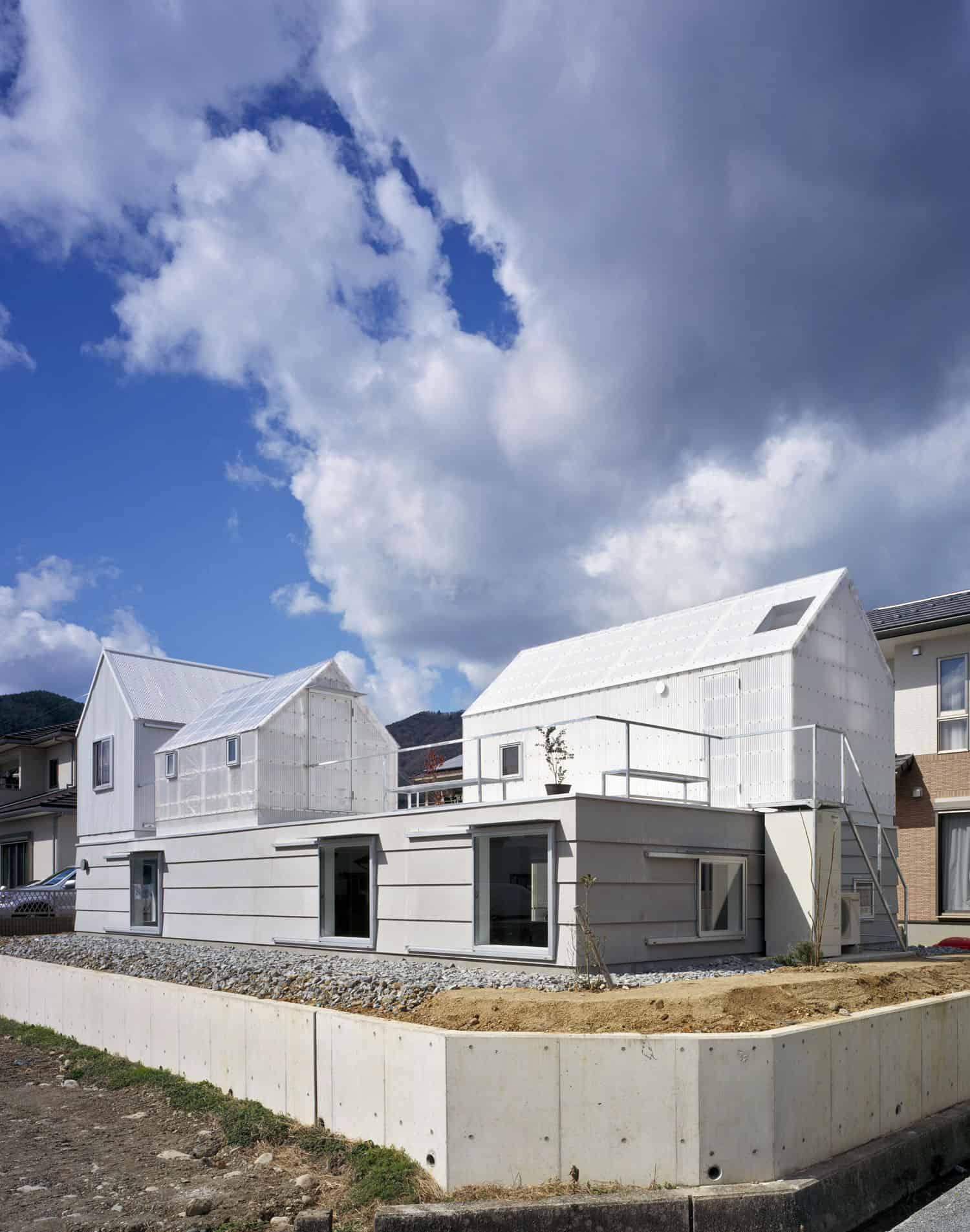 House in Yamasaki by Tato Architects (2)