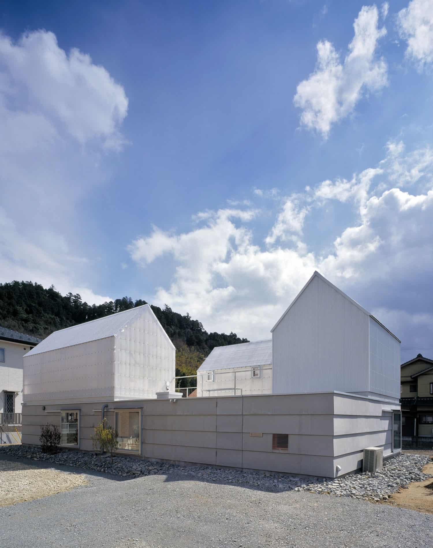 House in Yamasaki by Tato Architects (3)
