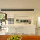 105 V House by Shaun Lockyer Architects (3)