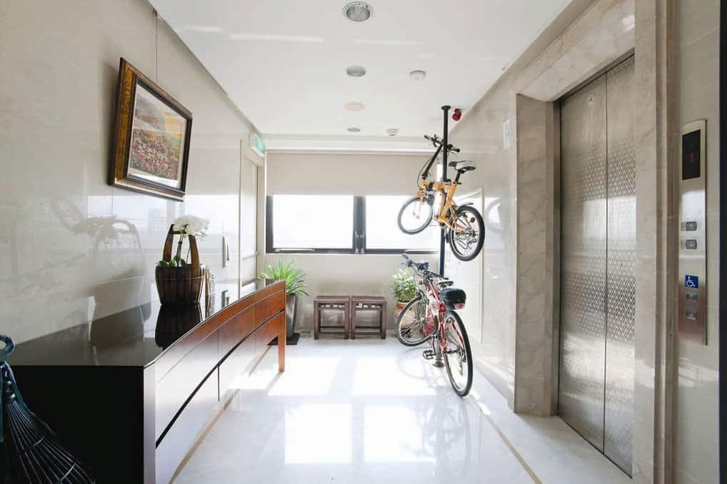 Fashion Forward Open Plan House by Artenid (1)