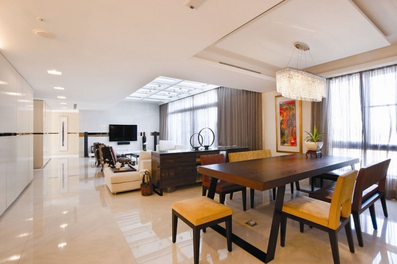 A spacious apartment full of contemporary elegance