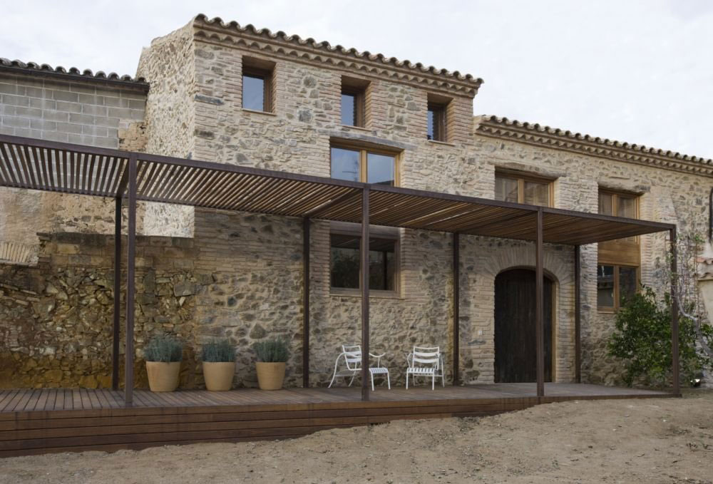 A Home and a Wine Cellar by Minim