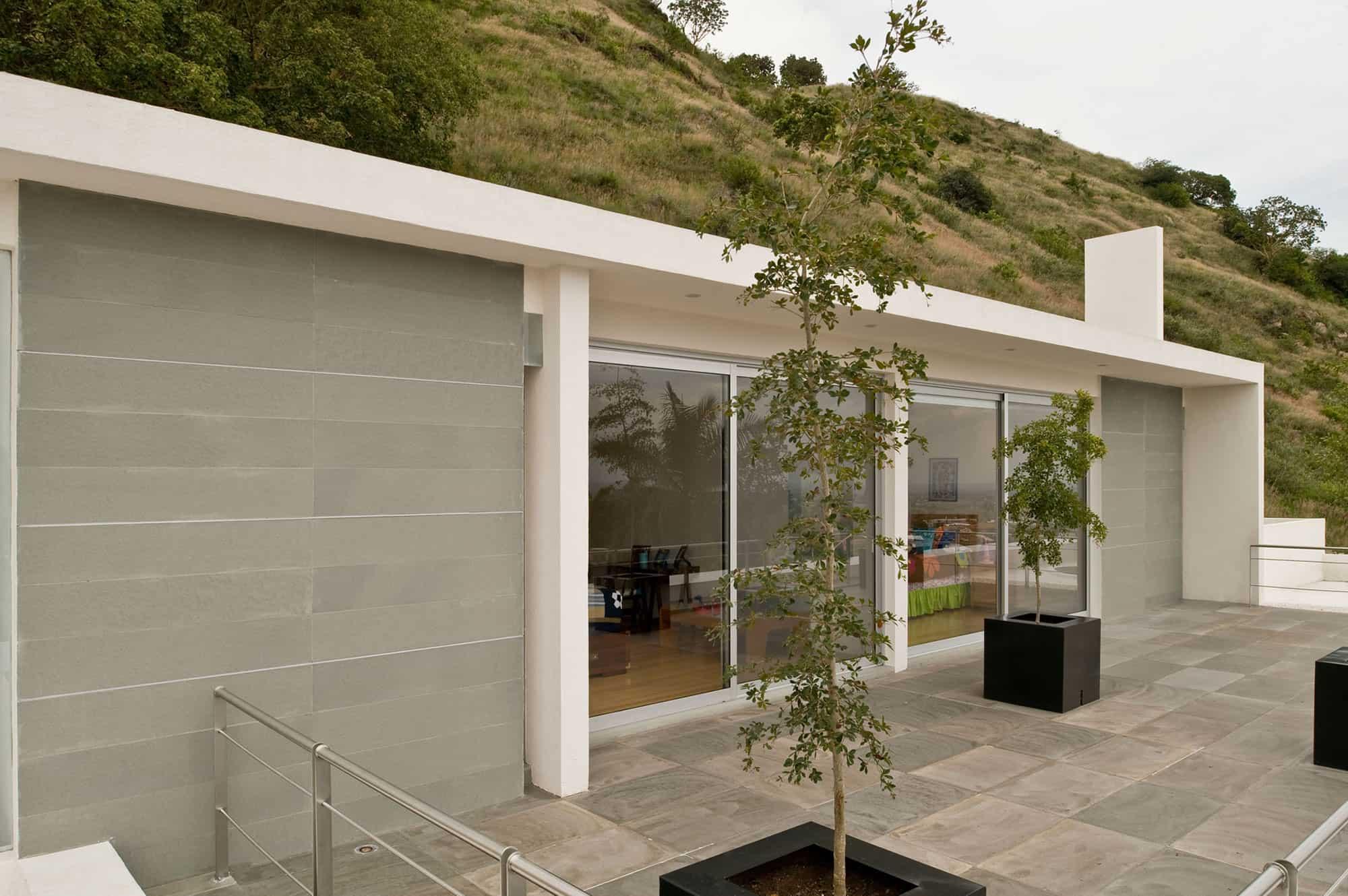 Mountain House by Agraz Arquitectos (3)