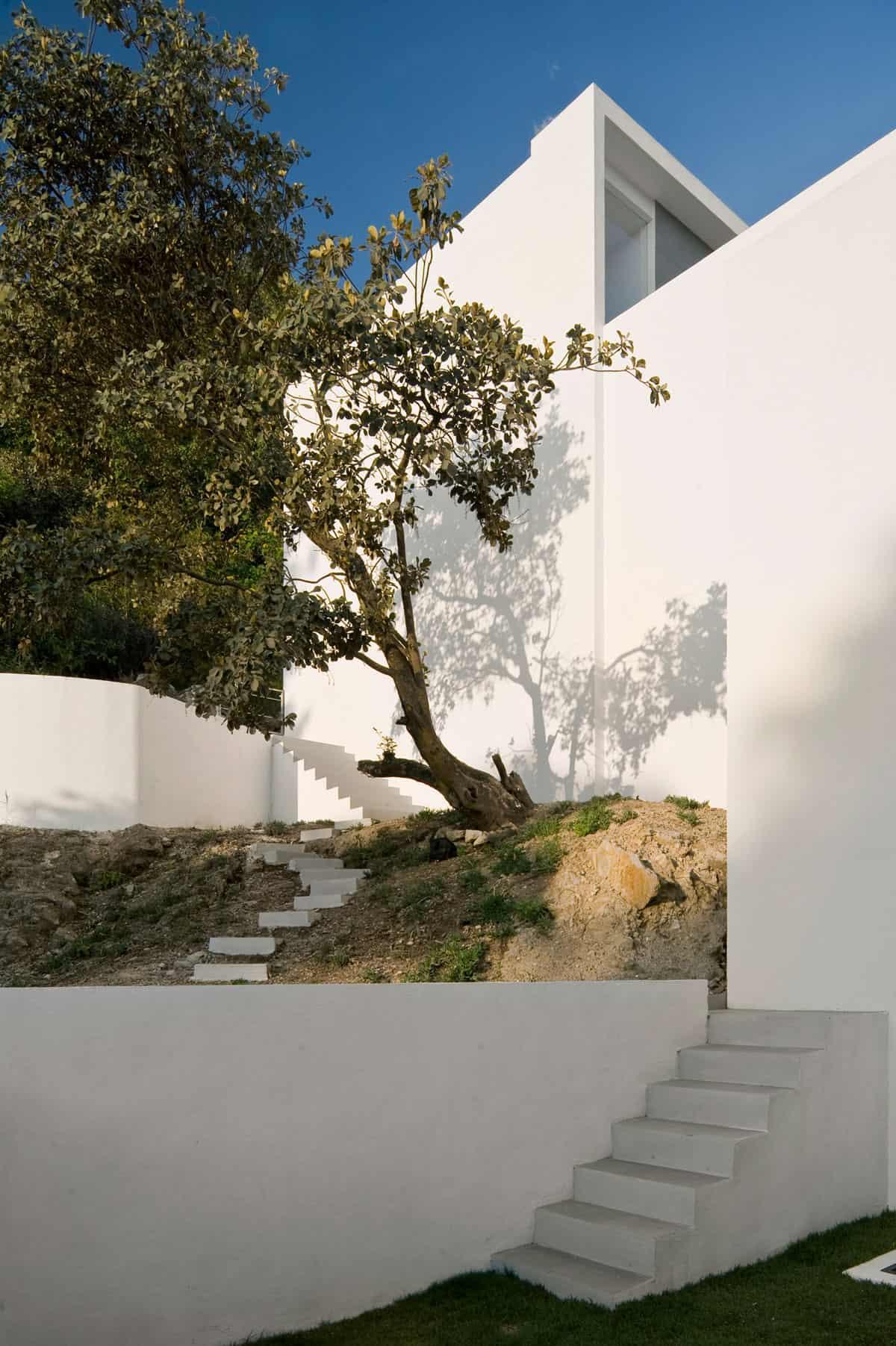 Mountain House by Agraz Arquitectos (4)
