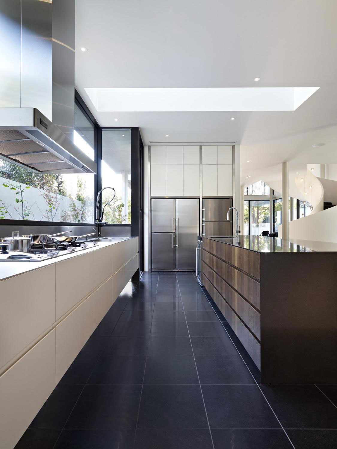 Verdant Avenue Home by Robert Mills Architects (6)