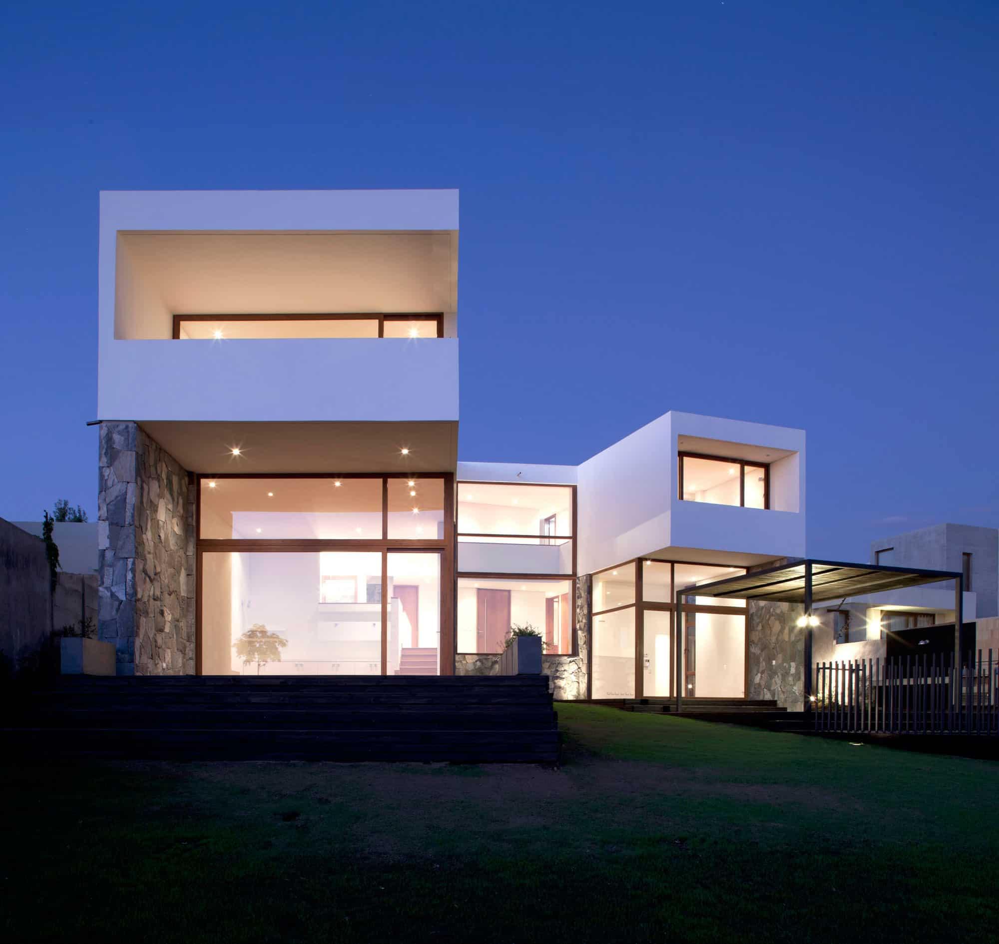 Donoso – Smith House by EMa arquitectos + Raimundo Salgado