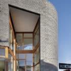 Split Level House by Qb Design (3)