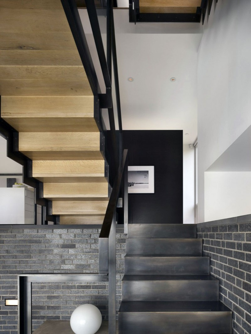 Split Level House Foyer Can Be Made To Be Beautiful: Split Level House By Qb Design