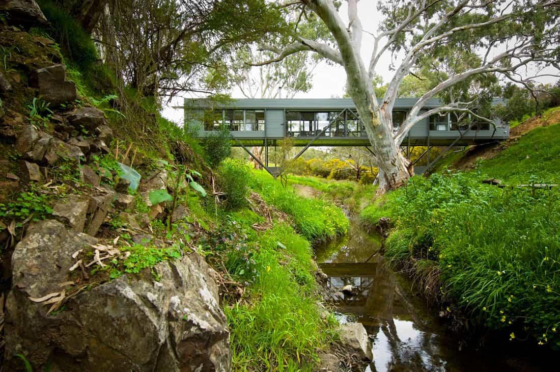 Bridge House by Max Pritchard Architect (1)