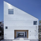 House in Shimoda-Chou by EANA  (1)