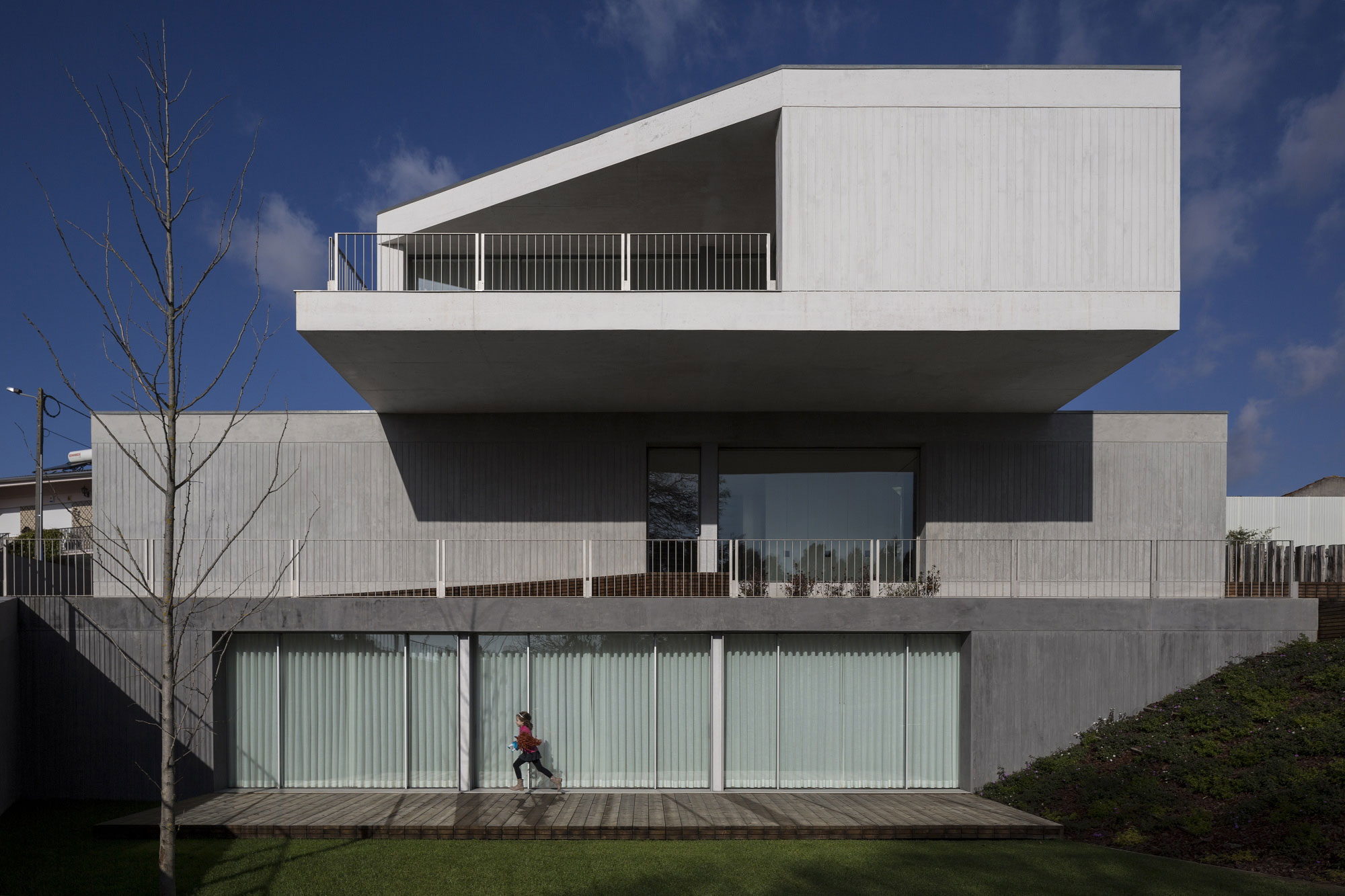 House in Travanca by Nelson Resende  (1)