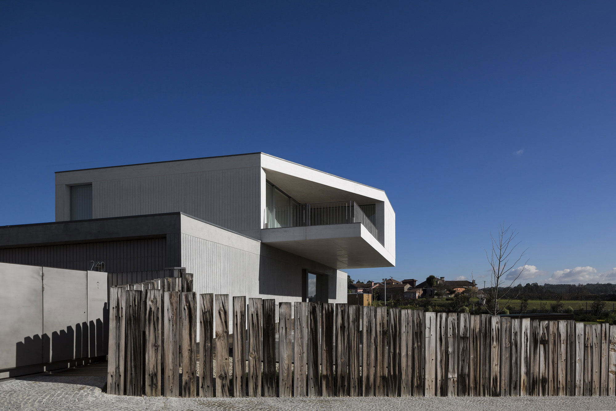House in Travanca by Nelson Resende  (2)