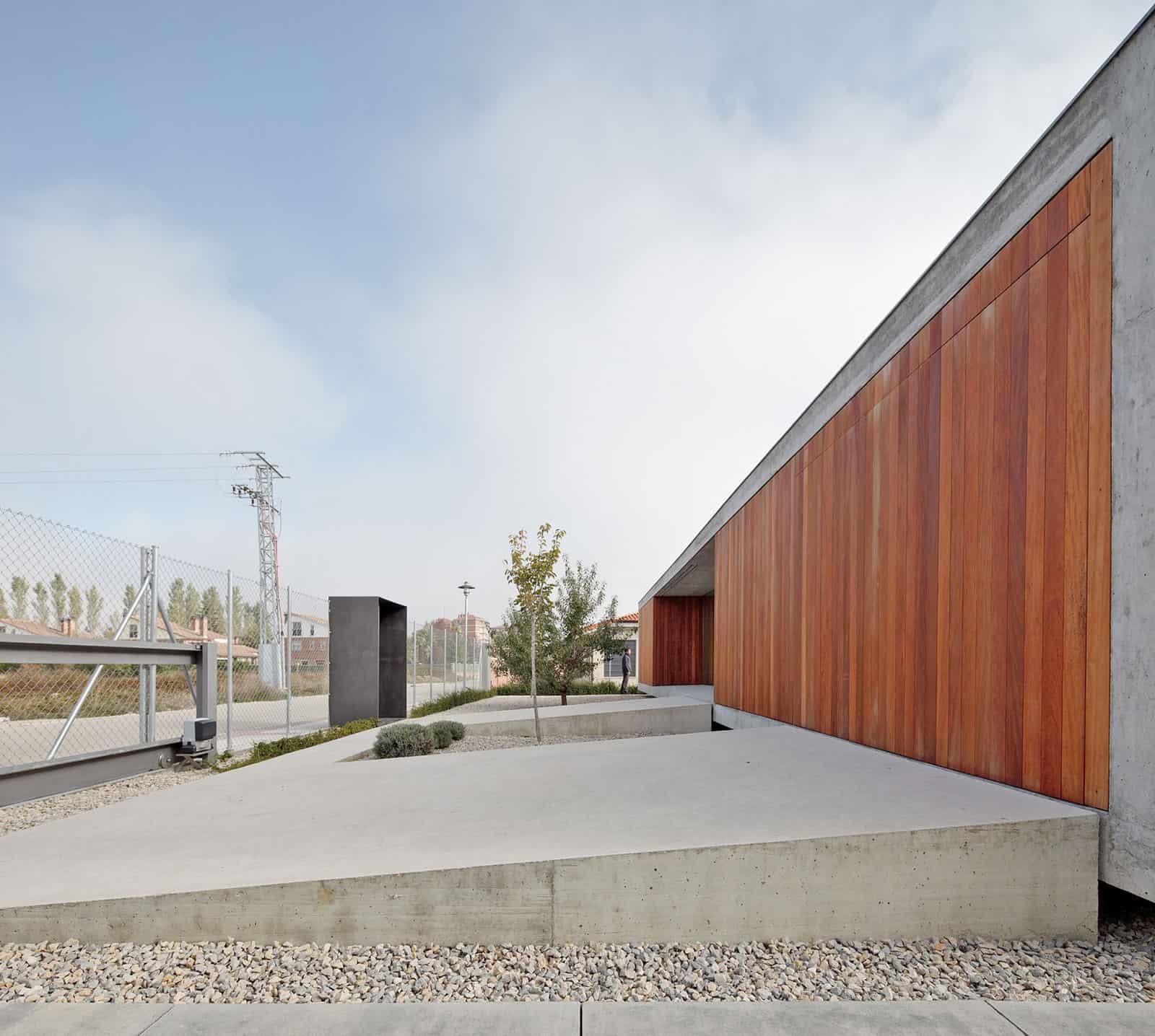 House in Villarcayo by Pereda Pérez Arquitectos  (3)