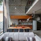 Maracanã House by Terra e Tuma Arquitetos Associados (4)