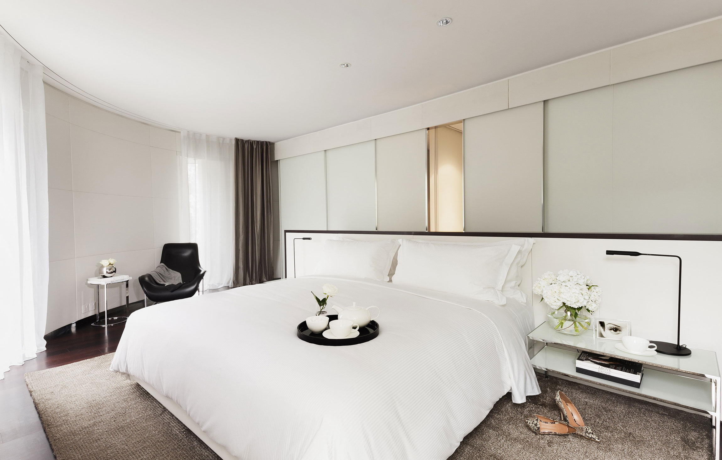 ME London Hotel by Foster + Partners (4)