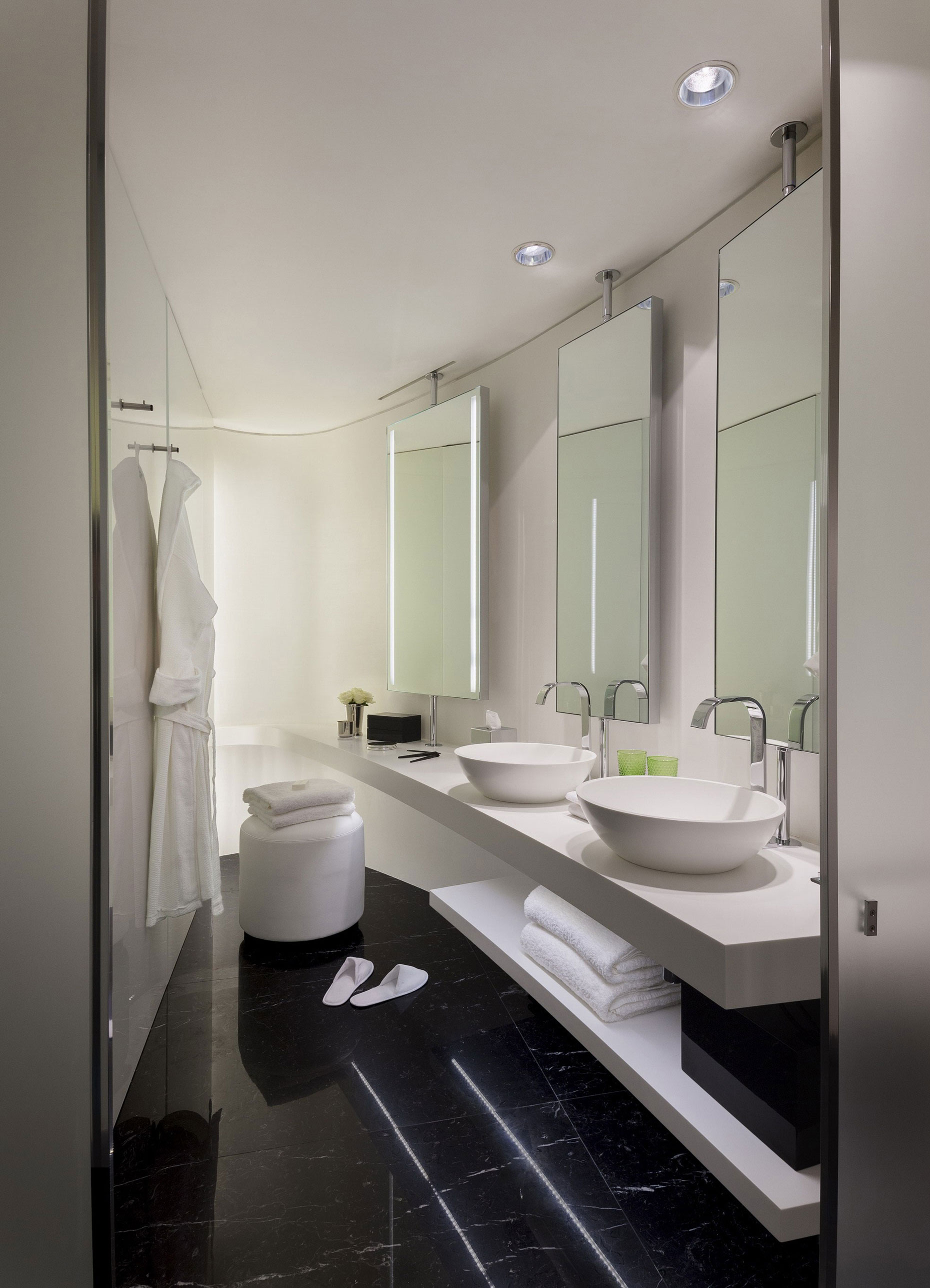 ME London Hotel by Foster + Partners (5)
