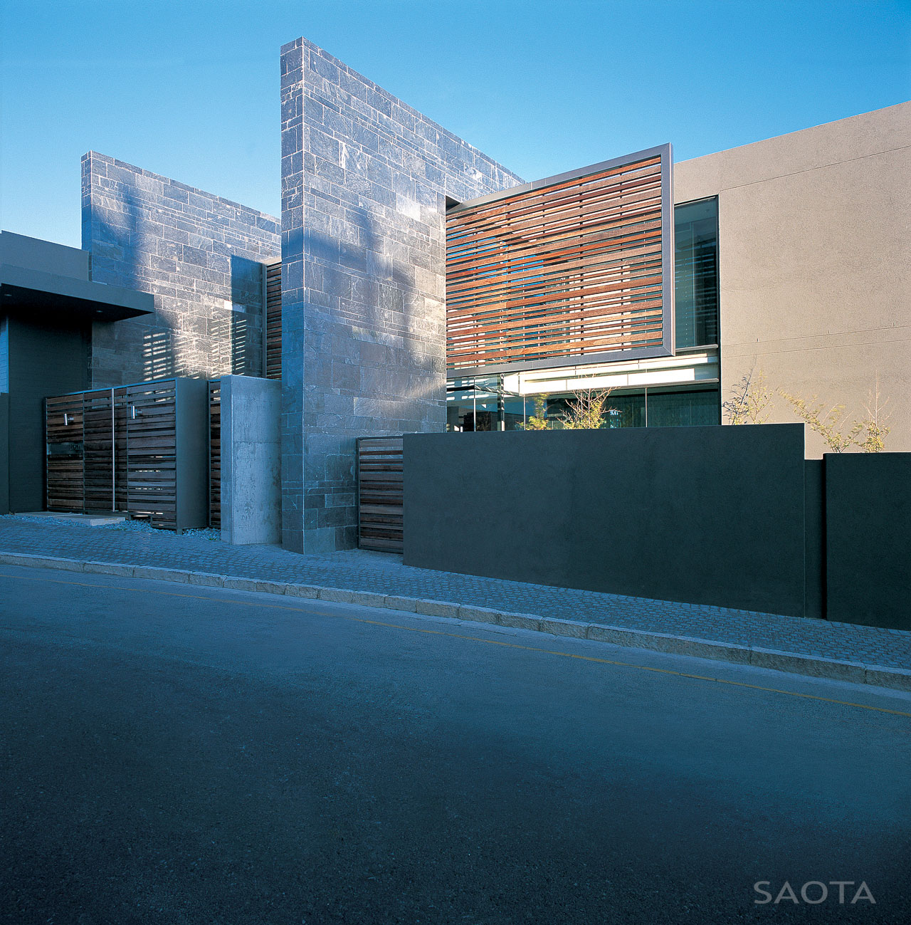 St Leon 10 by SAOTA and Antoni Associates