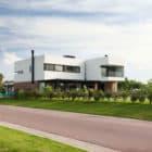 A House by Estudio GMARQ (1)