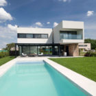 A House by Estudio GMARQ (2)