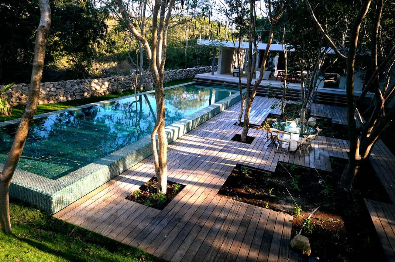 House Among Trees by Munoz Arquitectos Asociados (3)