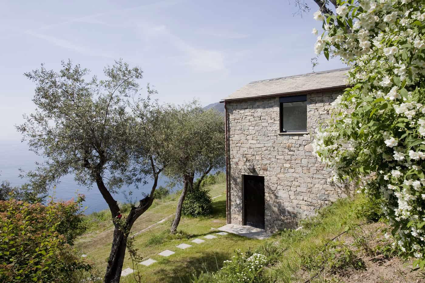 Farmhouse Restoration A2BC Architects SibillAssociati (3)