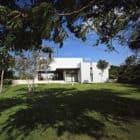 MCC House by Seijo Peon Arquitectos (1)