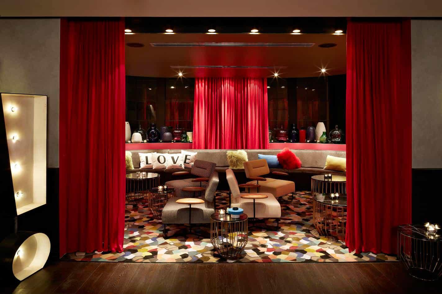 QT Sydney Hotel by Woodhead, Indyk Architects (4)