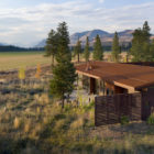 Wolf Creek View Cabin by Balance Associates Architects (1)