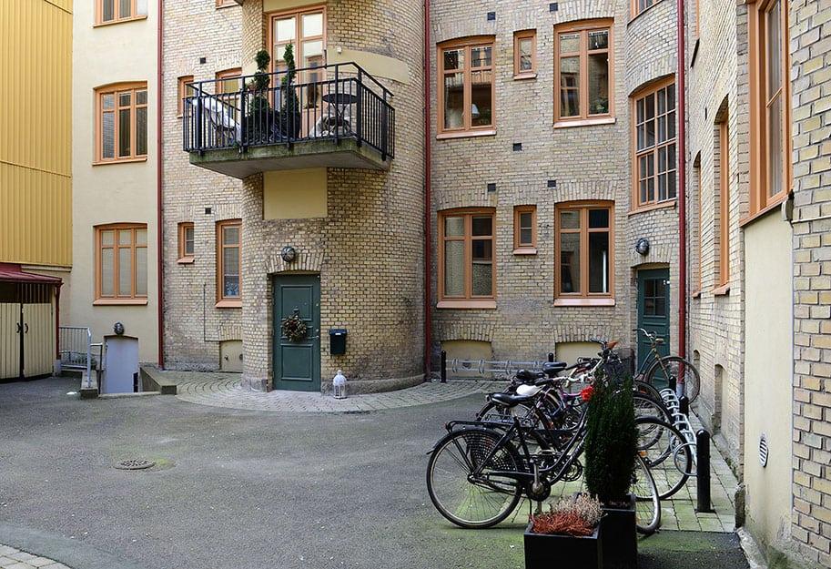 Colorful Apartment in Gothenburg (2)