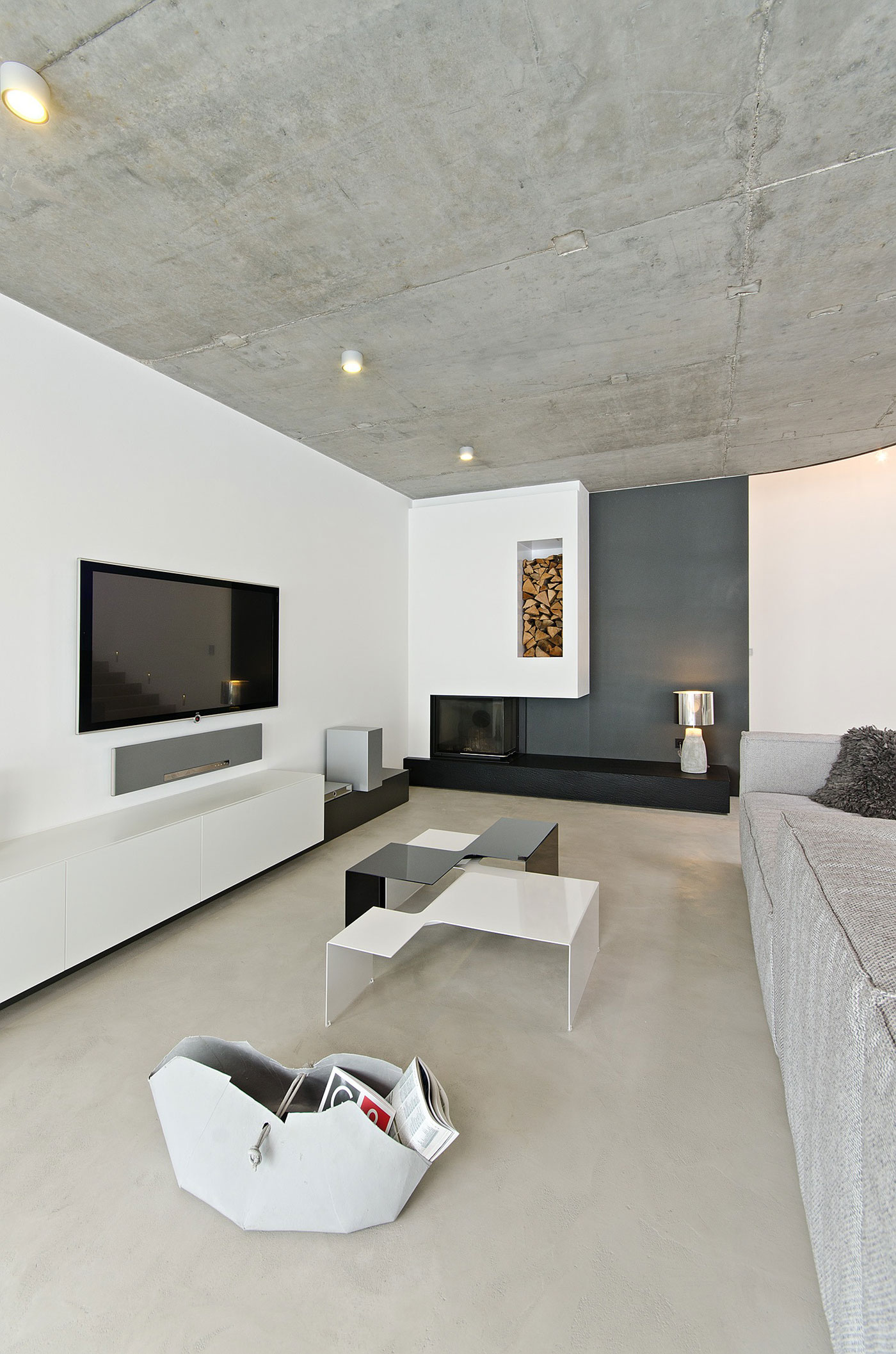 Concrete Interior by oooox (2)