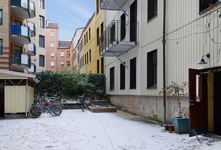 Hip and Fresh Apartment in Gothenburg (2)