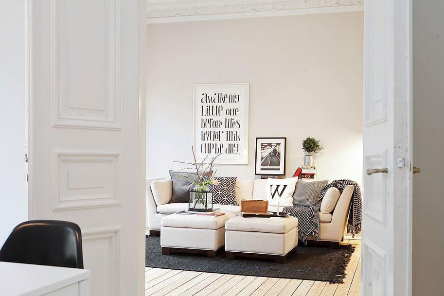 Scandinavian Design: Three Century Old Airy Apartment in Gothenburg