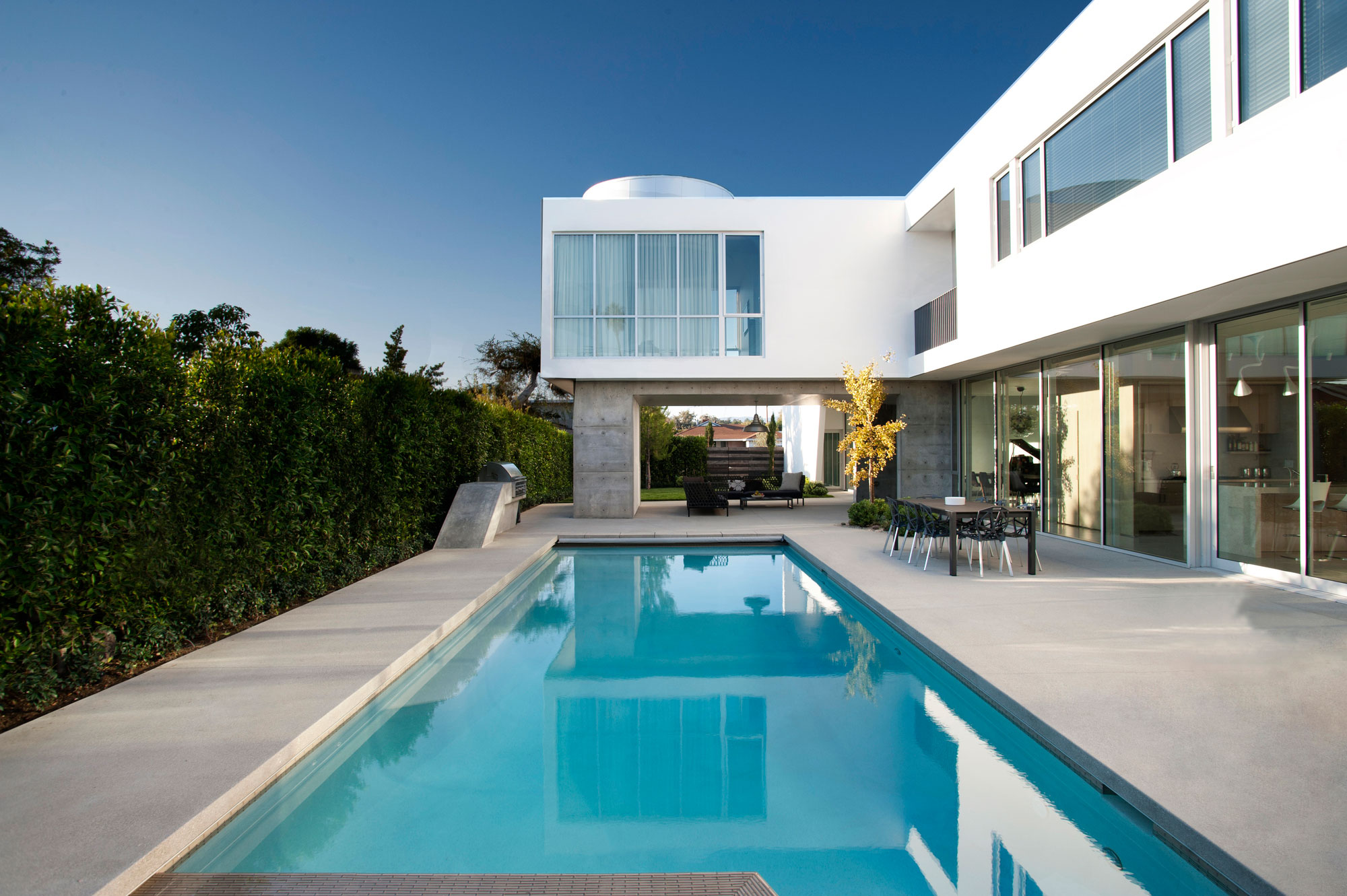 Modern Family Home by Dennis Gibbens Architects (4)