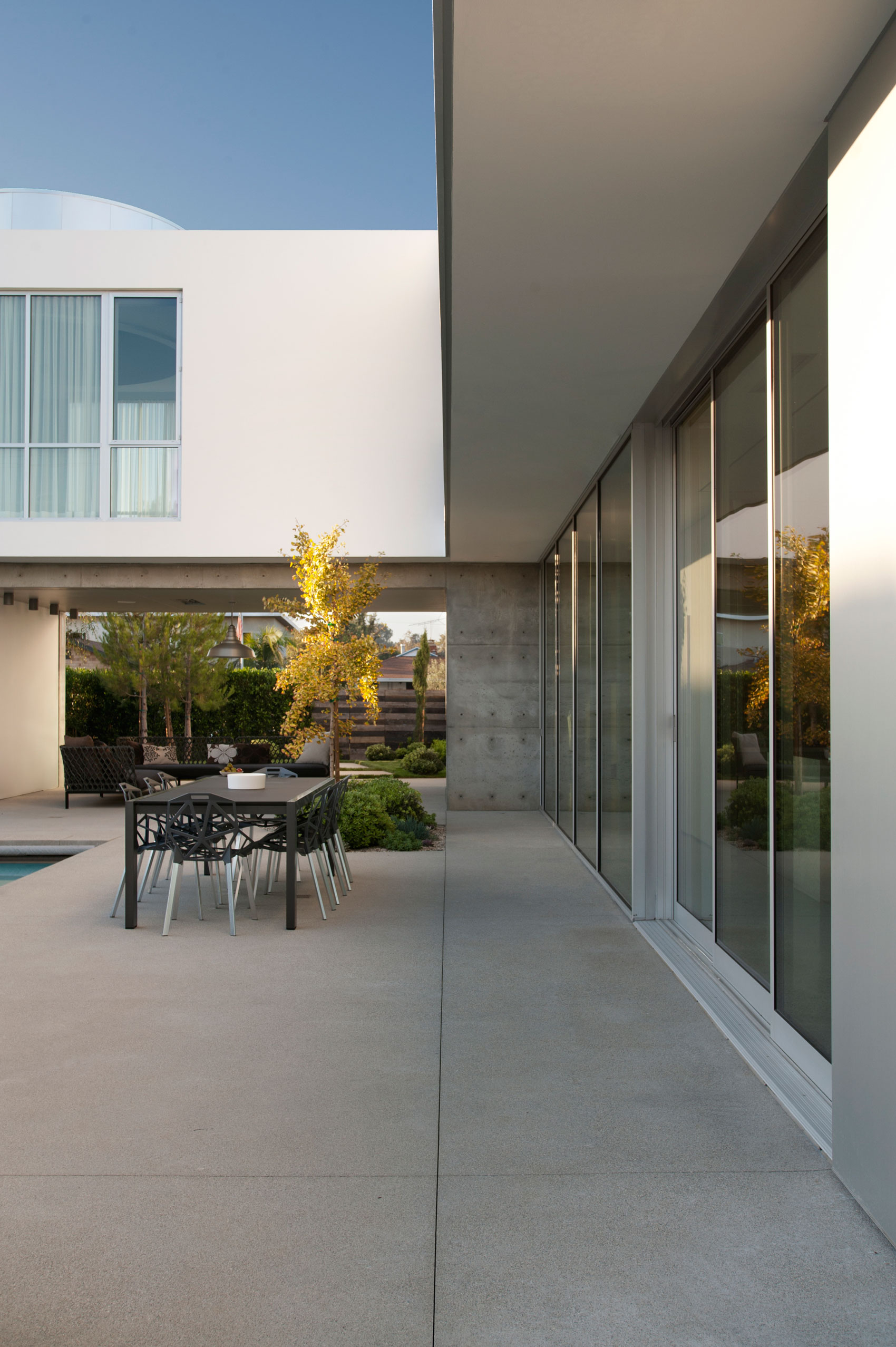 Modern Family Home by Dennis Gibbens Architects (5)