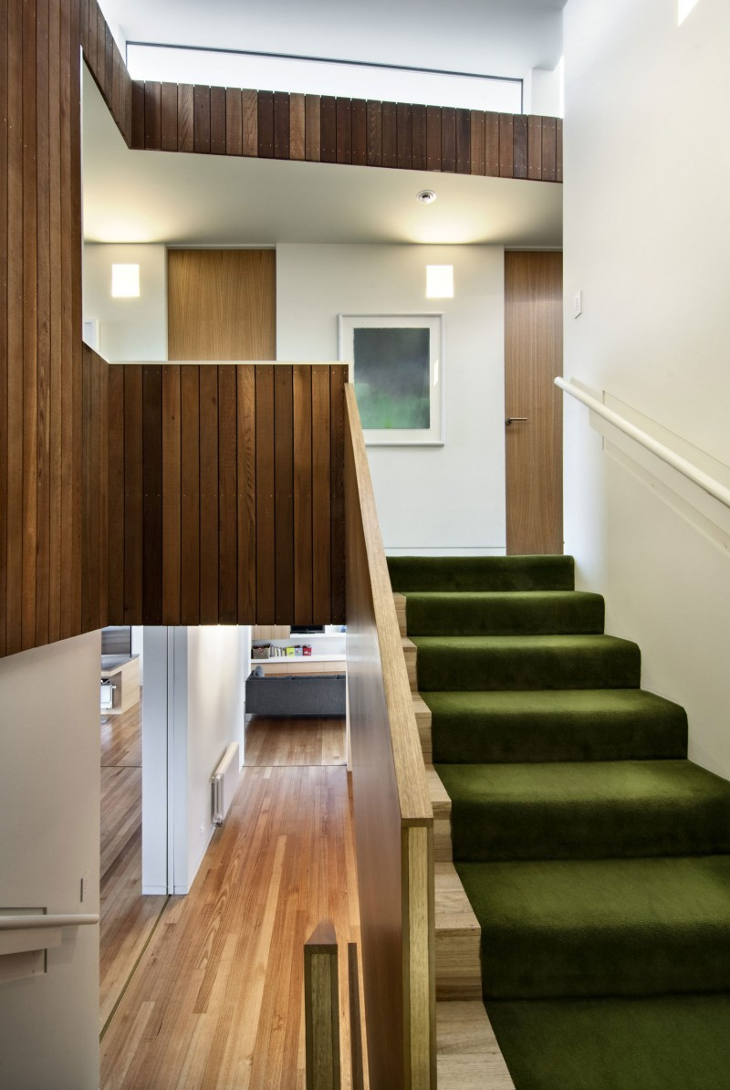 Modern up and down house design