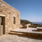 Syros House by Myrto Miliou (5)