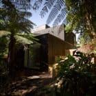 Waiatarua House by Hamish Monk Architecture (1)