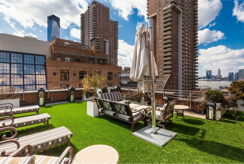 A penthouse with a backyard in tribeca for Manhattan penthouses for sale