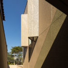 Casa K by Studio Arthur Casas (3)