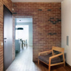 Studio Apartment by Lugerin Architects (2)