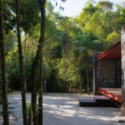 Rio Bonito House by Carla Juacaba (2)