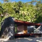 Rio Bonito House by Carla Juacaba (5)