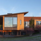 Gros Ventre Residence by Stephen Dynia Architects (4)
