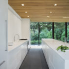 LM Guest House by Desai Chia Architecture (4)