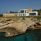 Fidar Beach House by Raed Abillama Architects (1)