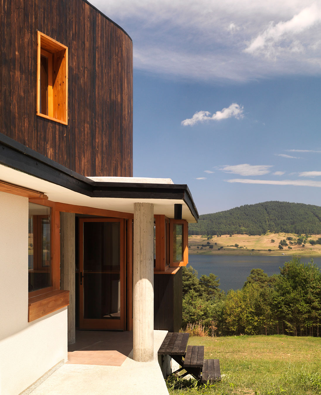 Fishing Lodge by Simon Gill Architects