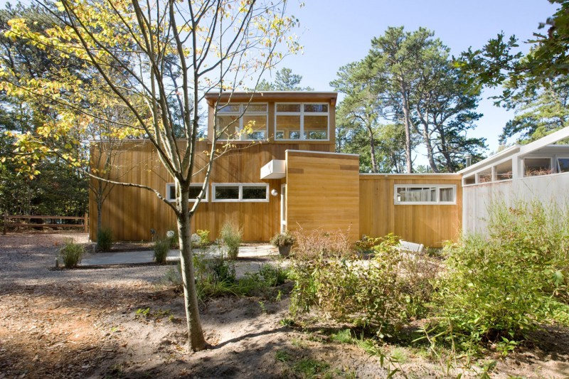 hammer architects carry out a modern renovation in brookline