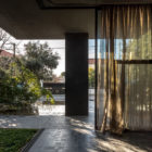 Residence in Kifissia by Tense Architecture Network (4)